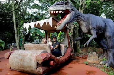 Vale dos Dinossauros será gratuito para moradores nesta segunda-feira
