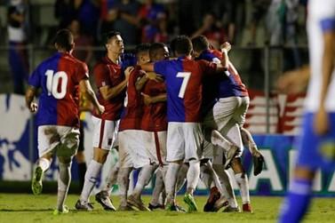 Em jogo de três pênaltis, Paraná Clube goleia o Foz do Iguaçu na Vila Capanema
