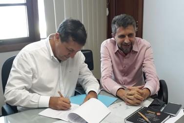 Vice-prefeito Nilton Bobato assume Prefeitura de Foz do Iguaçu durante 15 dias