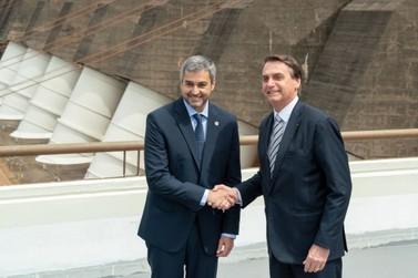 Em Foz, Bolsonaro reafirma construção de pontes entre Brasil e Paraguai
