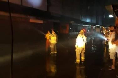 Galeria Jebai é interditada após novo incêndio atingir o local nesta sexta-feira