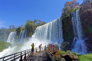 Passeios no lado Argentino das Cataratas proporcionam imersão à natureza