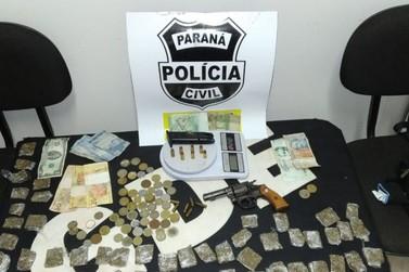 Adolescente de 15 anos é apreendida com arma e drogas na Vila Miranda