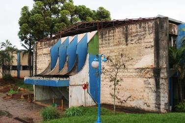 Antigo prédio da Santa Casa de Foz é arrematado por R$ 7 milhões em leilão