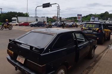 Carro roubado há 30 anos em SP é recuperado pela PRF na Ponte da Amizade