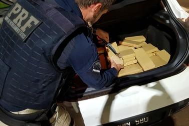 Carro roubado no Rio Grande do Sul é apreendido com 190 kg de maconha