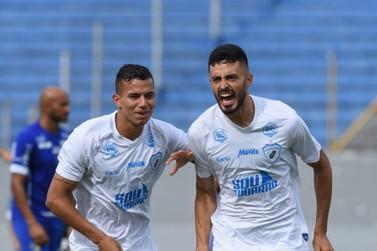 Com gol no primeiro minuto, Foz do Iguaçu perde para o Londrina no Paranaense