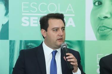 Governador promete PMs da reserva na segurança das escolas de Foz do Iguaçu