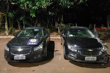 Perseguição da PRF recupera dois veículos roubados e apreende três armas