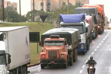 Transportadoras pedem mudança em restrição de caminhões na Avenida das Cataratas