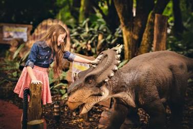 Vale dos Dinossauros terá horário especial no feriadão de carnaval