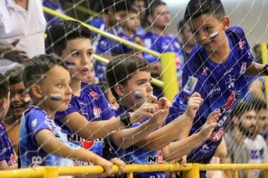 Foz Cataratas Futsal enfrenta o Dois Vizinho nesta terça no Costa Cavalcanti