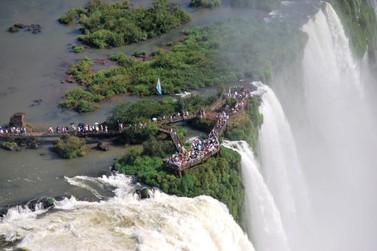 Netflix apresenta série Nosso Planeta com cenas das Cataratas del Iguazú