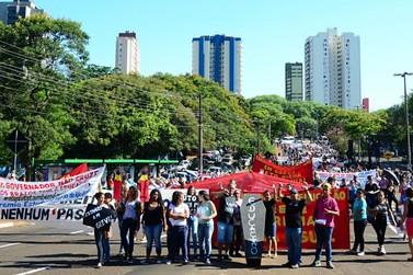 Paralisação na rede estadual deverá chegar a 80% das escolas em Foz do Iguaçu