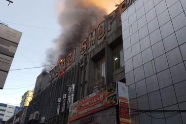 Shopping Hijazi pega fogo pela segunda vez em menos de quatro meses