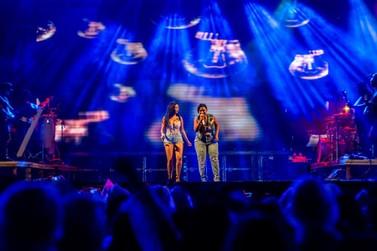 Anitta e Simone & Simaria levam público da Fespop Festival à loucura
