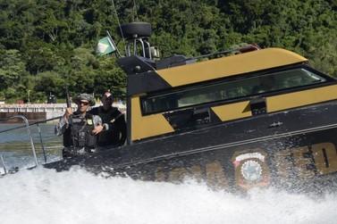 Polícia Federal apreende mais de 400 kg de maconha na Ilha Acaray no Rio Paraná