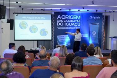 """Livro """"A Origem das Cataratas"""" pode ser adquirido em Foz do Iguaçu"""