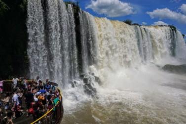 Movimento de turistas no mês de abril cresceu 10% em Foz do Iguaçu