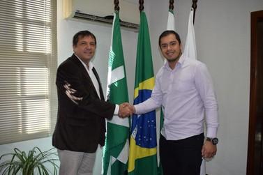 Novo prefeito de Cidade do Leste visita Foz para troca de experiências