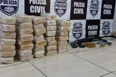 Polícia prende dupla com crack, fuzil e munição no Centro de Foz do Iguaçu