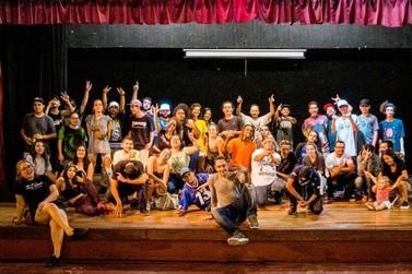 """Rappers de Foz do Iguaçu """"batalham"""" por vaga em evento nacional"""
