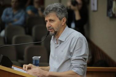 Secretário de Saúde anuncia pacote de medidas e pede apoio em defesa do hospital