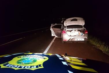 Veículo roubado no Rio Grande do Sul é apreendido com maconha na BR-277
