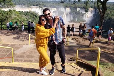 Gleici Damasceno escolhe Foz do Iguaçu para passar a semana dos Namorados