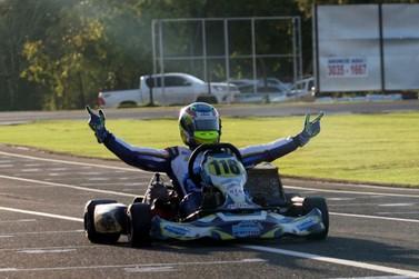 Júnior Flores é o campeão da Novatos no Open do Brasileiro de Kart