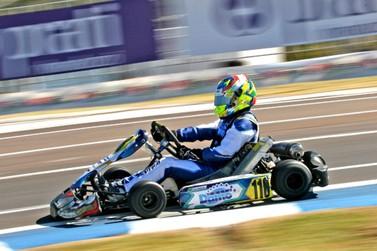 Júnior Flores faz treino de adaptação à Codasur no Campeonato Brasileiro de Kart