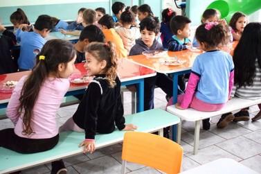 Prefeitura de Foz do Iguaçu investe mais de R$ 2 milhões em alimentação escolar