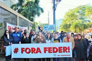 Professores de Foz do Iguaçu pedem a saída do secretário estadual de Educação