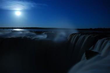 Cataratas da Argentina a luz da lua; passeio exclusivo começa nesta quarta-feira