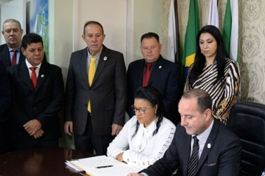 Condenados por corrupção retornam à Câmara Municipal de Foz do Iguaçu