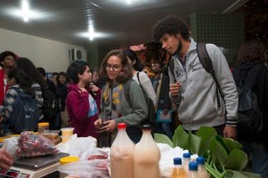 Feira Agroecológica da Unila terá edição especial nesta quinta-feira (15)