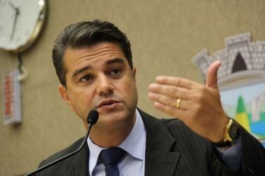 Luiz Queiroga consegue liminar para voltar para Câmara de Foz do Iguaçu