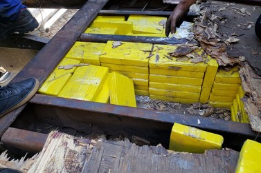 PRF apreende 238 quilos de cocaína e crack em Santa Terezinha de Itaipu