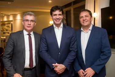 """""""Vamos trabalhar para trazer voos internacionais a Foz"""", diz ministro do Turismo"""