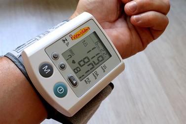 Aferição de pressão em farmácias pode virar lei em Foz do Iguaçu