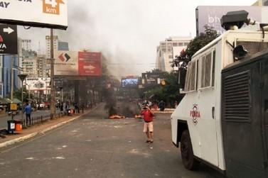 """Cinco pessoas são presas durante manifestação de """"paseros"""" em Cidade do Leste"""