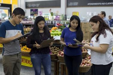 Clima quente contribui para queda dos preços de hortaliças e frutas