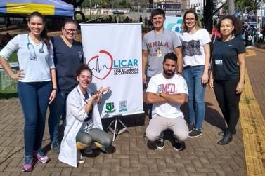 No Dia Mundial do Coração, alunos de Medicina realizam ações na Feira da JK