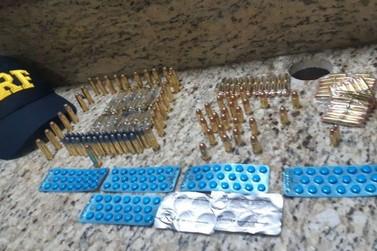 Polícia prende três pessoas com 250 munições, estimulantes sexuais e abortivos