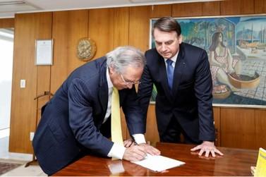 Nova cota para compras em free shops e no Paraguai começa em 2020, diz Bolsonaro