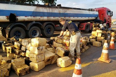 Polícia Rodoviária Federal descobre 2,8 toneladas de maconha em caminhão-tanque