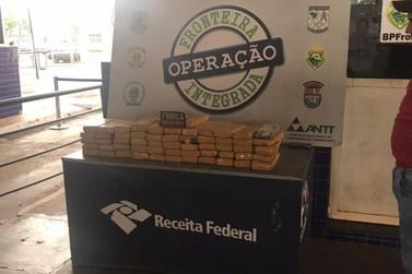 Maconha é encontrada em fundo falso de veículo paraguaio na Ponte da Amizade