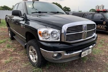Governo do Paraná promove leilão com veículos apreendidos em Foz do Iguaçu