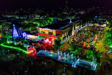 Santa Terezinha de Itaipu surpreende ao abrir o Encanto de Natal