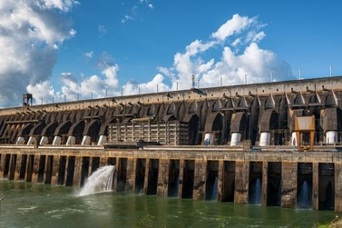 Usina de Itaipu encerrará o ano com recorde na geração de energia elétrica
